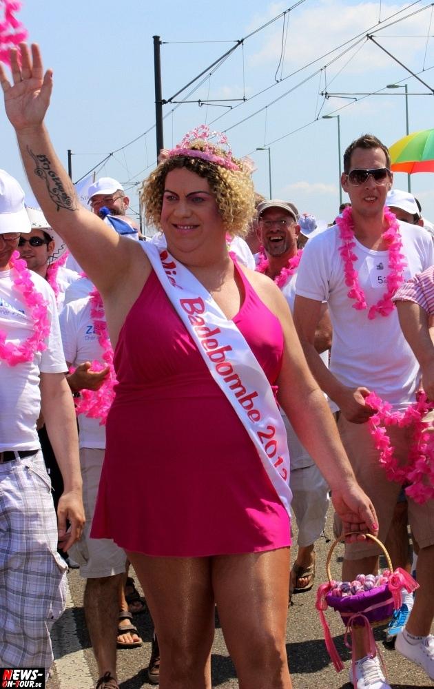 csd-2013_colognepride_koeln_deutzer-bruecke_ntoi_klust_gay_lesbian_parade_62