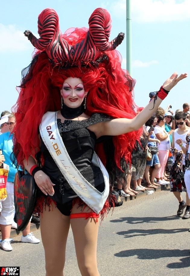 csd-2013_colognepride_koeln_deutzer-bruecke_ntoi_klust_gay_lesbian_parade_65