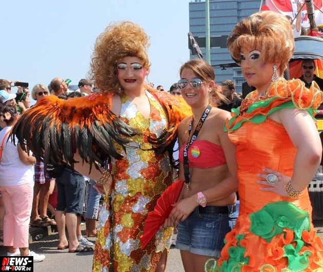 csd-2013_colognepride_koeln_deutzer-bruecke_ntoi_klust_gay_lesbian_parade_67