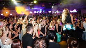 Rakatakata! OX Freudenberg Sommer Special lockte Ladies an! Live-Act Loona. Bilder vom 20.07.2013