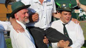 Marienheide: Nach 133 Schuss flog der Adler! (Die Bilder!) Heier Schützenkönig 2013