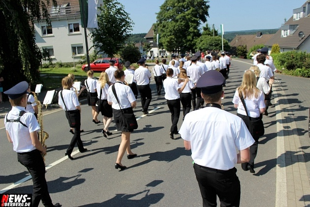 marienheide_schuetzenfest_ntoi_festzug-durch-den-ort-09