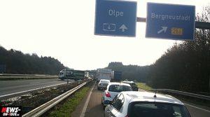 Bergneustadt/Reichshof (A4): Motorradfahrer und Sozius auf der BAB 4 schwer verunglückt! Rettungshubschrauber im Einsatz