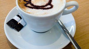 Kaffee trinken und Leistungsfähigkeit erhöhen! Diverse Studien belegen: Kaffee/Cappuccino macht Mitarbeiter leistungsfähiger