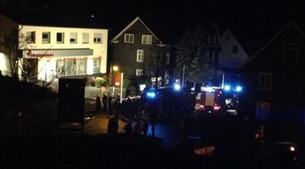 eckenhagen-reichshof-oberbergischer-kreis-sparkasse-geldautomat-gesprengt