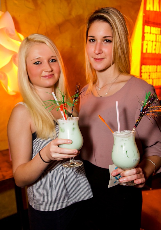 ox-freudenberg_cocktail-night_08.jpg