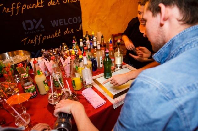 ox-freudenberg_cocktail-night_09.jpg