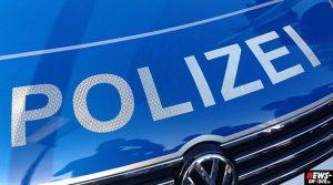 Mofafahrer versucht Polizei mit 100 km/h zu entkommen. Slalom Flucht durch Engelskirchen im morgendlichen Berufsverkehr