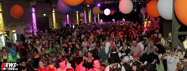 karneval-in-gummersbach_ntoi_weiberfastnacht_2014_halle32_04.jpg
