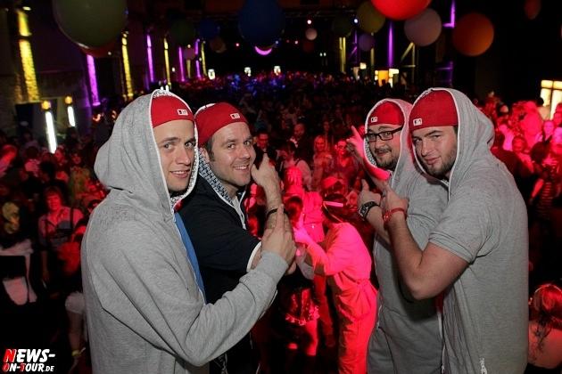 karneval-in-gummersbach_ntoi_weiberfastnacht_2014_halle32_06.jpg