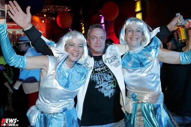 karneval-in-gummersbach_ntoi_weiberfastnacht_2014_halle32_12.jpg