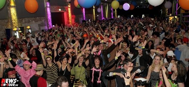 karneval-in-gummersbach_ntoi_weiberfastnacht_2014_halle32_21.jpg