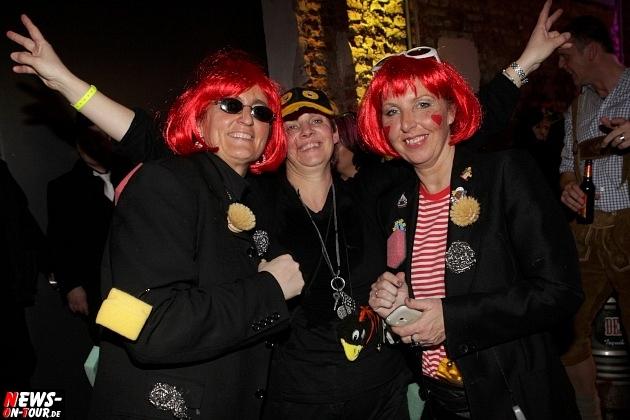 karneval-in-gummersbach_ntoi_weiberfastnacht_2014_halle32_25.jpg