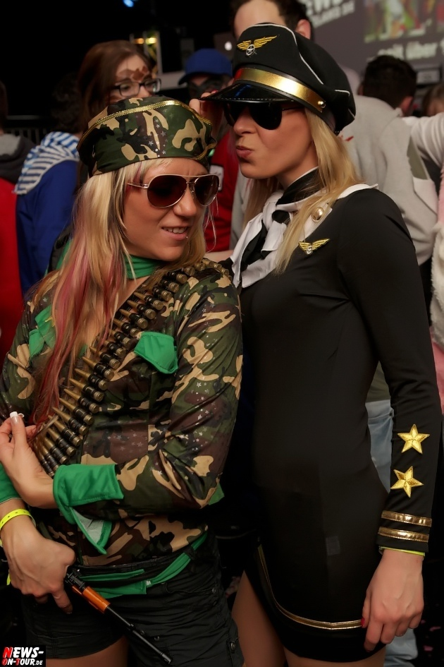 karneval-in-gummersbach_ntoi_weiberfastnacht_2014_halle32_33.jpg