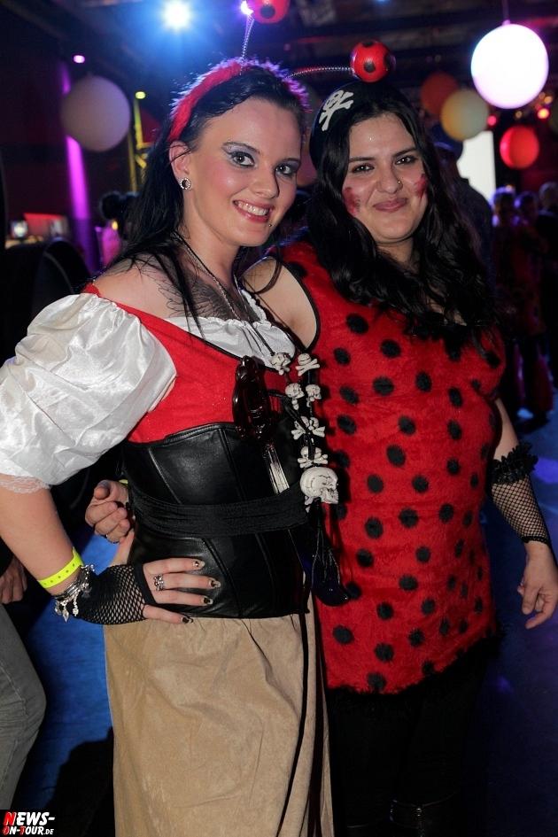 karneval-in-gummersbach_ntoi_weiberfastnacht_2014_halle32_36.jpg