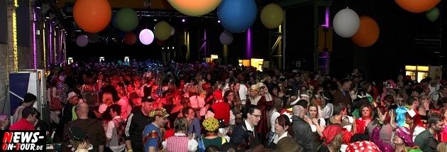 karneval-in-gummersbach_ntoi_weiberfastnacht_2014_halle32_39.jpg