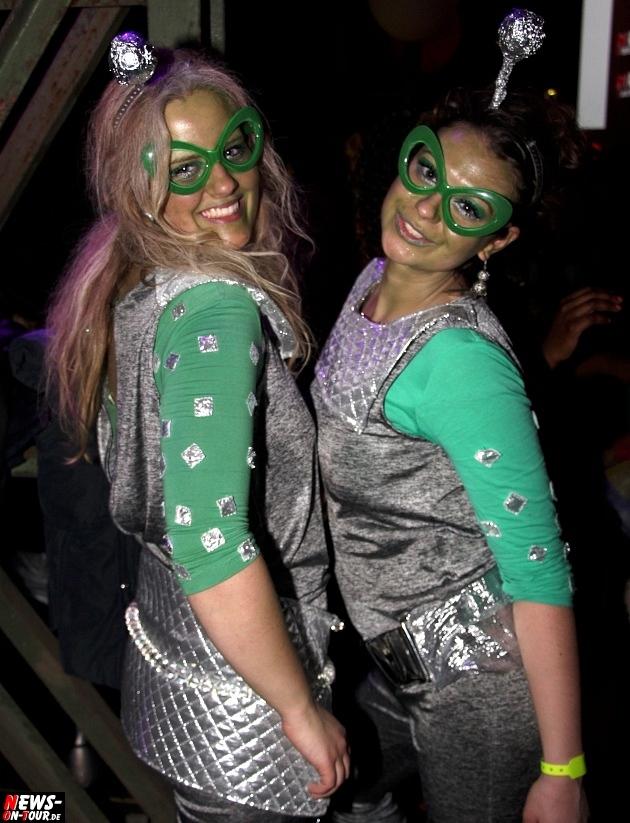 karneval-in-gummersbach_ntoi_weiberfastnacht_2014_halle32_44.jpg