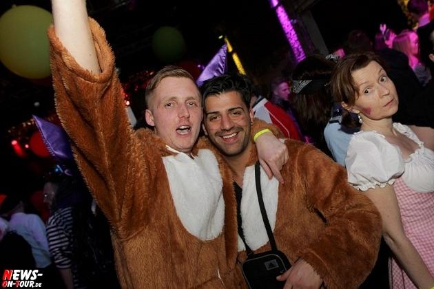 karneval-in-gummersbach_ntoi_weiberfastnacht_2014_halle32_49.jpg