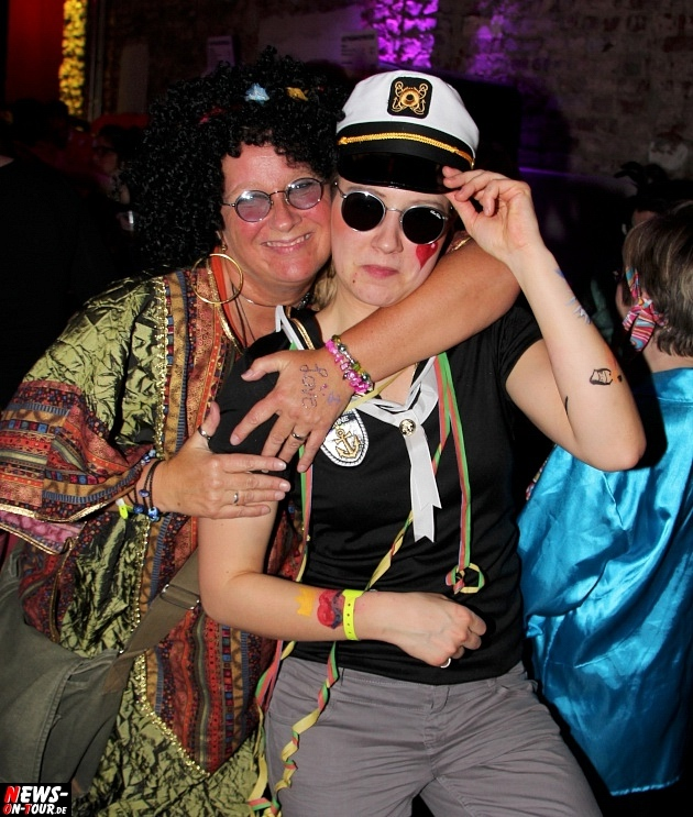 karneval-in-gummersbach_ntoi_weiberfastnacht_2014_halle32_51.jpg