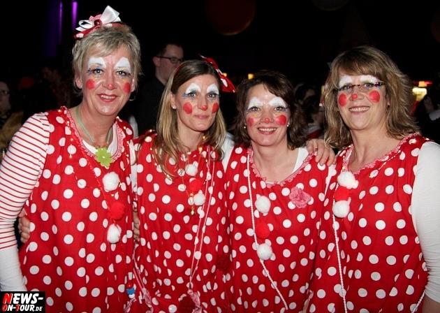 karneval-in-gummersbach_ntoi_weiberfastnacht_2014_halle32_54.jpg