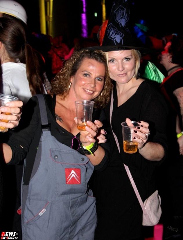 karneval-in-gummersbach_ntoi_weiberfastnacht_2014_halle32_56.jpg