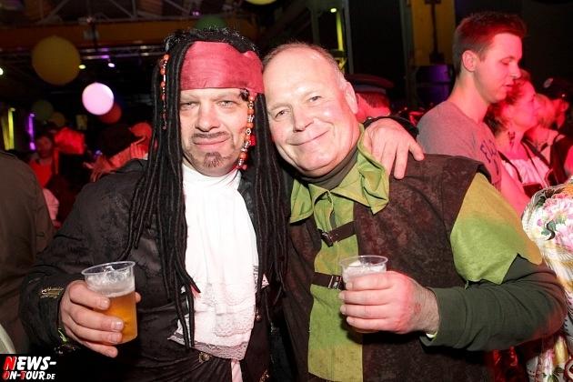 karneval-in-gummersbach_ntoi_weiberfastnacht_2014_halle32_57.jpg