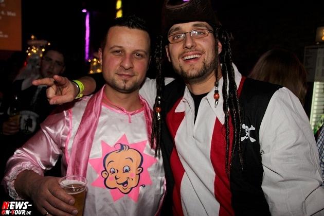 karneval-in-gummersbach_ntoi_weiberfastnacht_2014_halle32_59.jpg
