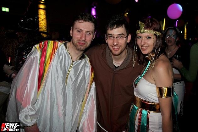 karneval-in-gummersbach_ntoi_weiberfastnacht_2014_halle32_61.jpg