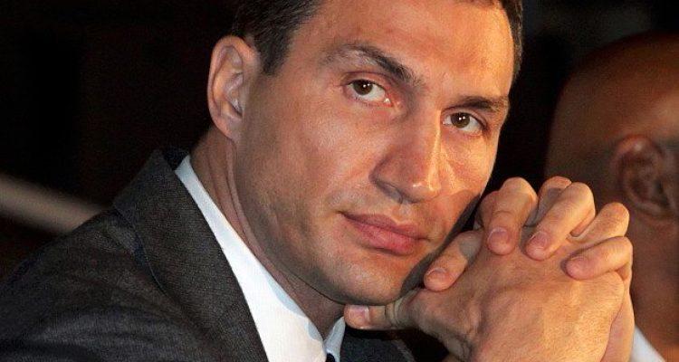 Wladimir Klitschko verteidigt WM-Titel gegen Kubrat Pulev in der o2 World Hamburg