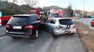 Marienheide Verkehrsunfall: Kettenreaktion von vier Verkehrsteilnehmer durch Fußgängerin ausgelöst