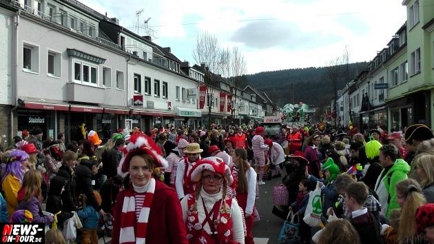 rosensonntag_engelskirchen_ntoi_karnevalszug_2014_22.jpg