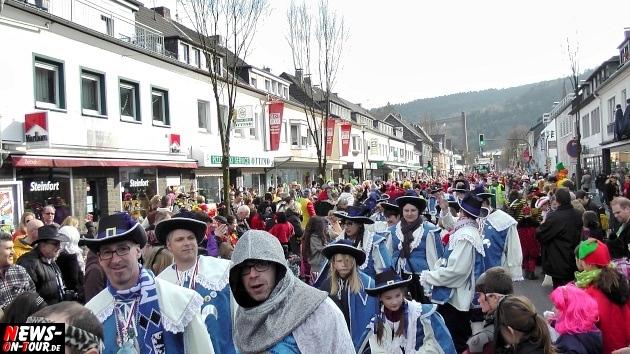 rosensonntag_engelskirchen_ntoi_karnevalszug_2014_27.jpg