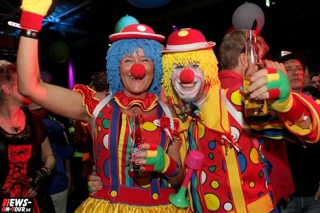 ue-30-karnevalsparty_halle32_2014_03_01_ntoi_16.jpg