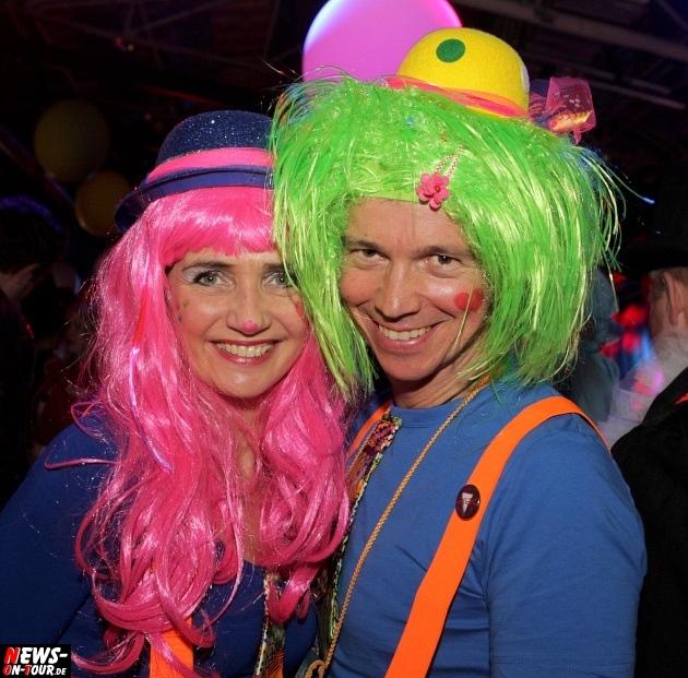 ue-30-karnevalsparty_halle32_2014_03_01_ntoi_19.jpg