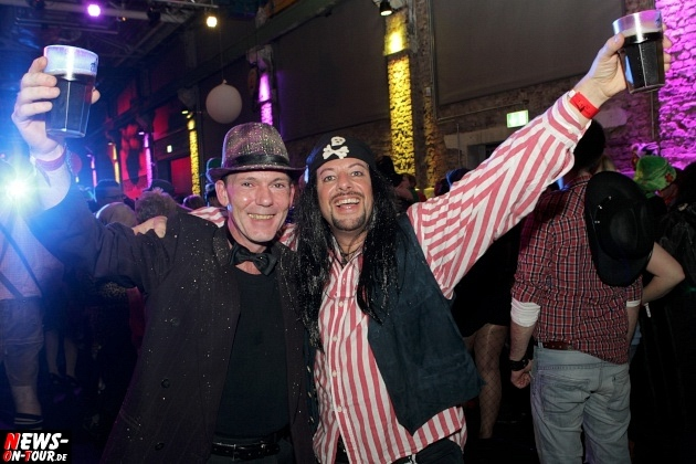 ue-30-karnevalsparty_halle32_2014_03_01_ntoi_22.jpg