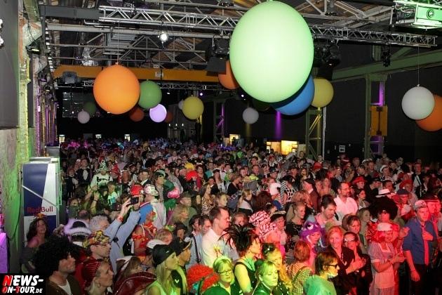 ue-30-karnevalsparty_halle32_2014_03_01_ntoi_28.jpg