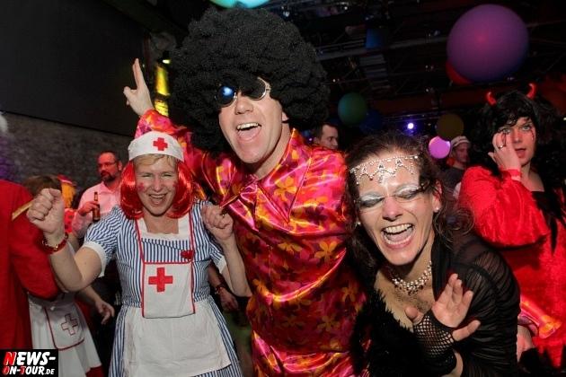 ue-30-karnevalsparty_halle32_2014_03_01_ntoi_33.jpg