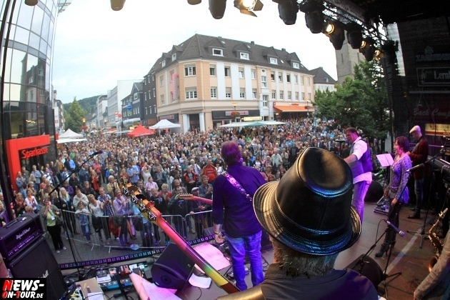 lindenplatz-open-air-2014_ntoi_gummersbach_genesis_ray-wilson_24