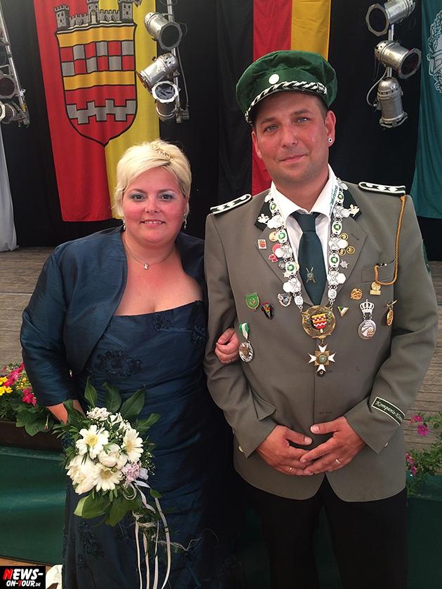 schuetzenkoenig_2014_bergneustadt_ntoi_kroenung-der-majestaeten_09