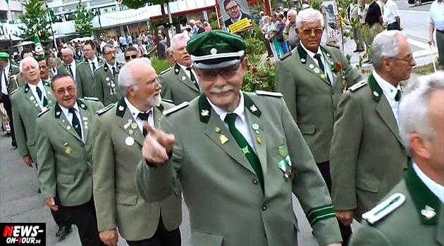 sternmarsch-der-kompanien_ntoi_bergneustadt_schuetzenfest_2014