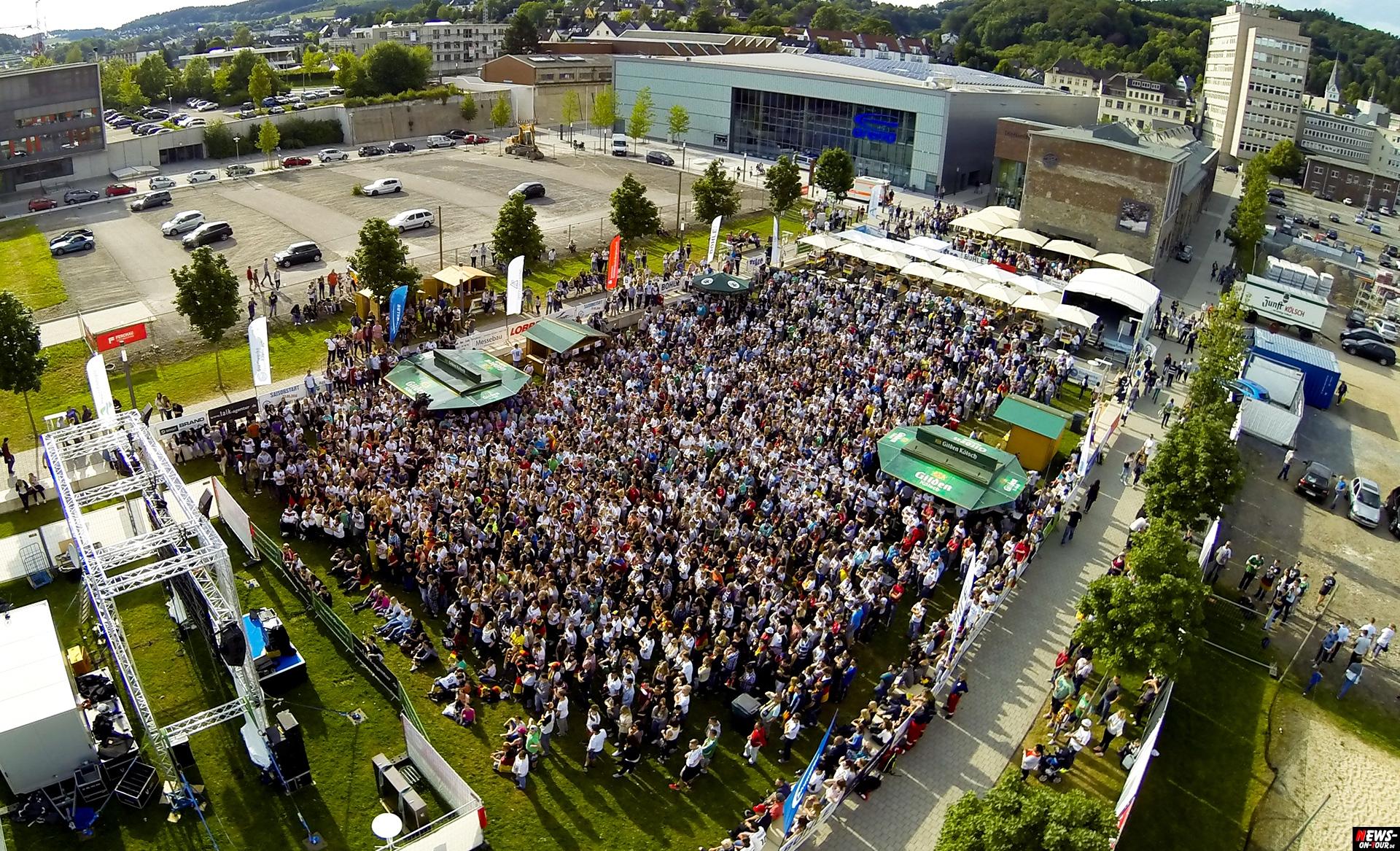 Public viewing gummersbach usa ger mit videos news on - Stadtgarten hamburg ...