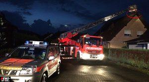 Extremes Unwetter (Oberberg): Blitz schlug in Dachwohnung in Bergneustadt auf dem Hackenberg ein! Junger Mann hatte Glück