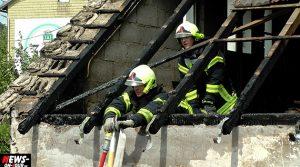 Bergneustadt Dachstuhlbrand nähe Tankstelle! Doppelter Einsatz der Feuerwehr am selben Objekt!
