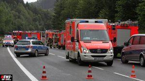 Lindlar: 20-jähriger Autofahrer zog sich bei einem Verkehrsunfall schwere Verletzungen zu
