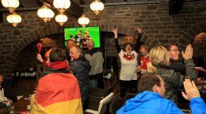 Public Viewing Gummersbach: Emotions zum 7:1 Sieg von den Stadtterrassen |  Deutschland vs. Brasilien