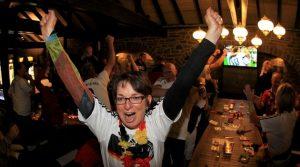 WM2014: Stadt Terrassen Gummersbach! Foto Emotions vom Rudelgucken Finale GER – ARG aus Oberbergs Kreisstadt