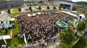 Public Viewing Gummersbach – Hummels kickt uns mit dem Kopf ins Halbfinale! 1:0 gegen Frankreich. 2.200 jubeln auf der Fanmeile GM