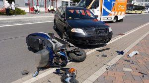 Bergneustadt Unfall: Kradfahrer schwer verletzt! Es entstand hoher Sachschaden