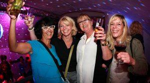 Engelskirchen: Tolles Ambiente zur Ü30/Ü40 Party im Gewölbekeller des Cafe Apricot! | Exklusiv: DIE FOTOS des Abends