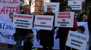 Düsseldorf: Wegen Regressforderungen! Oberbergs Hausärzte demonstrierten vor der Kassenärztliche Vereinigung |  Stefanus Paas und Dr. Jörg Blettenberg